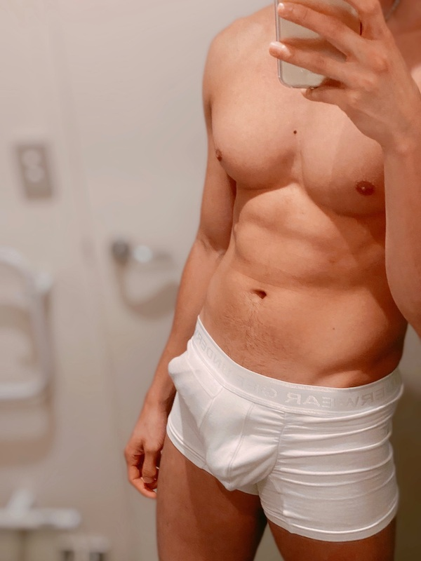 View Andy, Males Escort   Tel: 0225108159