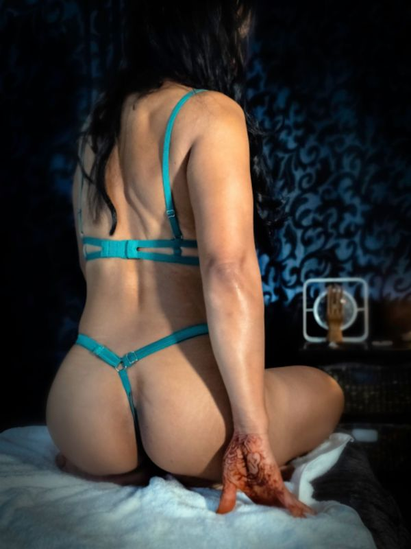 View IRIS, Wellington Escort | Tel: 0272928145