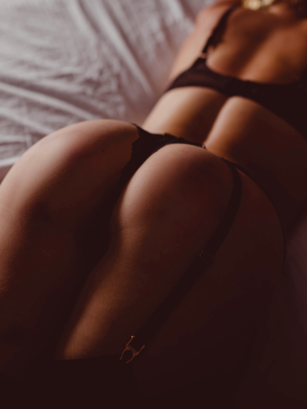 View Grey, Wellington Escort | Tel: 02108004816
