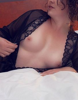 View Ashley, Christchurch Escort | Tel: 033795440