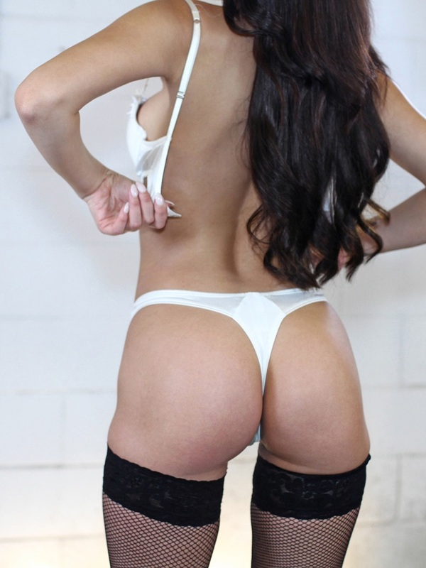 View Avery, Auckland Escort | Tel: 0275479159